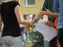 handshakes-930178__180