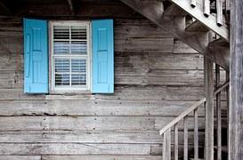 shutters-669296__180